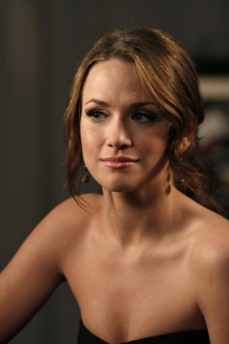 Quinn (Shantel VanSanten) nell'episodio Every Picture Tells a Story di One Tree Hill