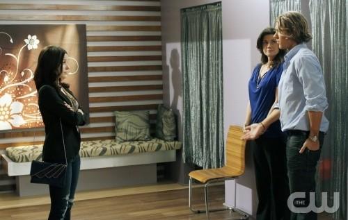 Sophia Bush affronta Daphne Zuniga e Mitch Ryan nell'episodio What's In The Ground Belongs To You di One Tree Hill