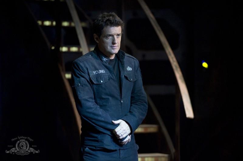 Il Comandante della Destiny (Justin Louis) nell'episodio Lost di Stargate Universe