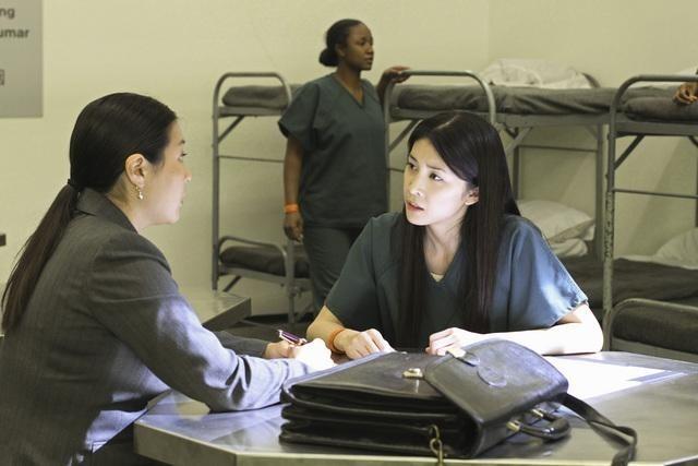 FlashForward: Hira Ambrosino e Yuko Takeuchi nell'episodio Countdown