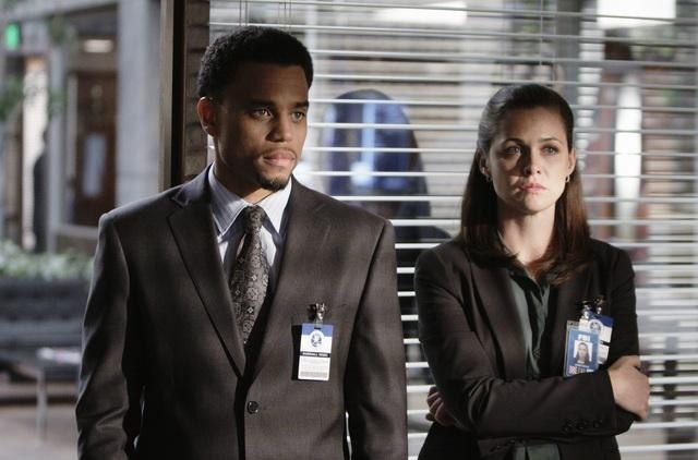FlashForward: Michael Ealy e Christine Woods nell'episodio Course Correction