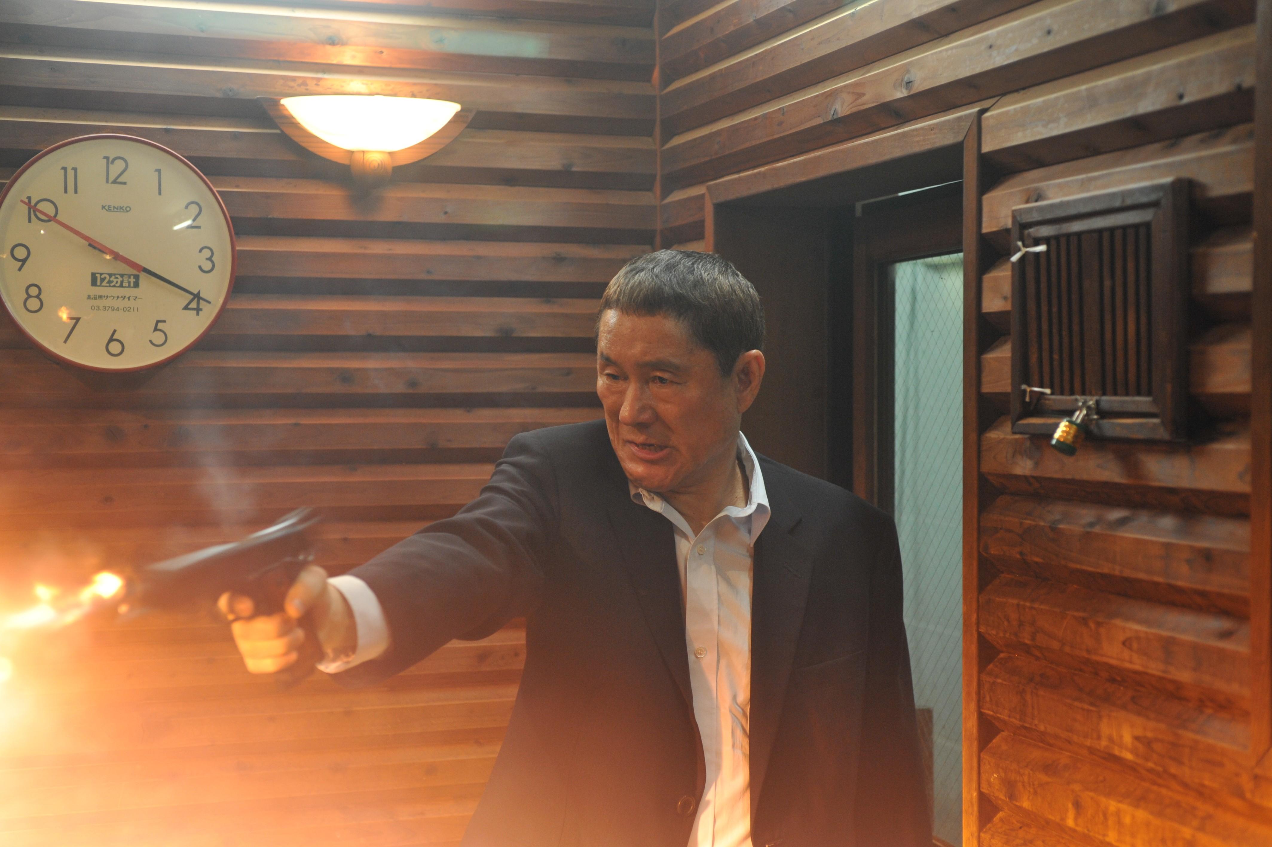 Wallpaper: Takeshi Kitano in una sequenza di Outrage