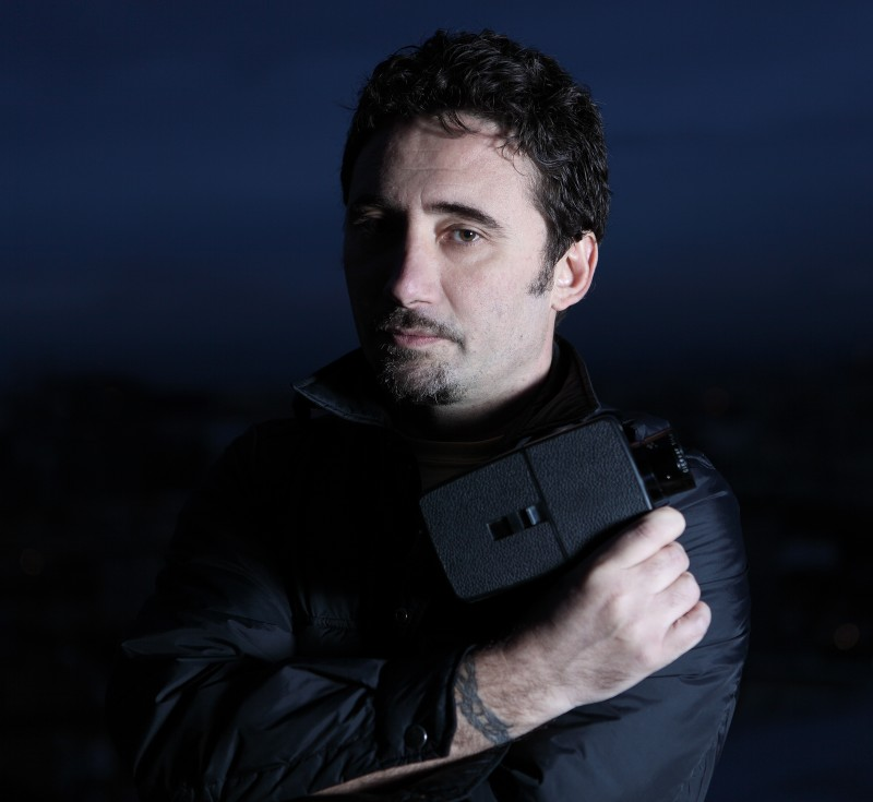 Federico Zampaglione impugna la sua 'arma' per l'horror Shadow
