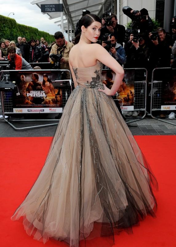 Gemma Arterton indossa un abito di Valentino alla premiere mondiale di Londra del film Prince of Persia: Le Sabbie del Tempo,