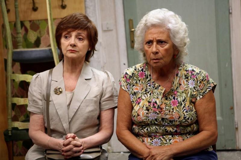 Milena Vukotich e Isa Danieli nel film Scontro di civiltà per un ascensore a Piazza Vittorio