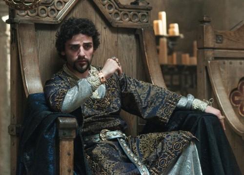 Oscar Isaac in una scena di Robin Hood