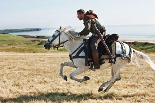 Robin Hood (Russell Crowe), leggendario eroe inglese nel film Robin Hood