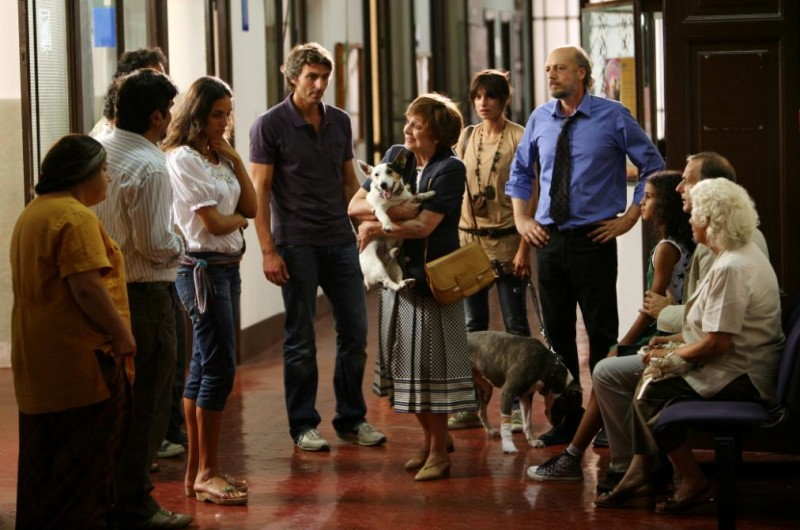 Una scena del film Scontro di civiltà per un ascensore a Piazza Vittorio
