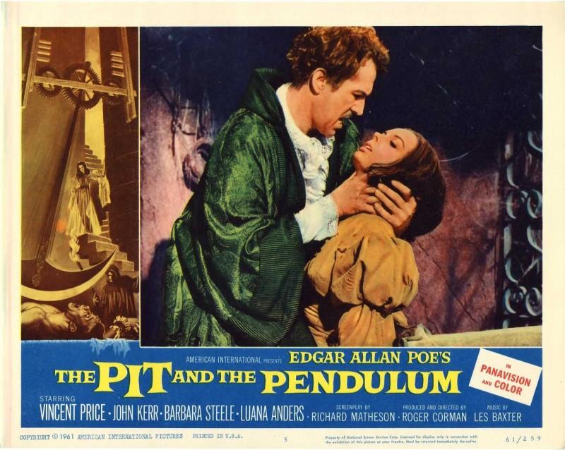 Vincent Price e Barbara Steele in una lobby card promozionale del film Il pozzo e il pendolo