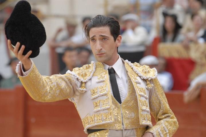 Adrien Brody, torero per le folle in Manolete - Fra mito e passione diretto da Menno Meyjes
