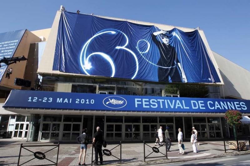 Cannes 2010: l'ingresso del Palais des Festivals, a poche ore dal debutto della kermesse