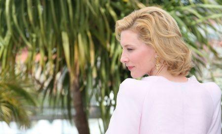 Cannes 2010: la bella Cate Blanchett presenta Robin Hood.