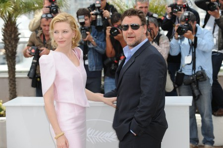 Cannes 2010: Russell Crowe accanto a Cate Blanchett, co-star di Robin Hood