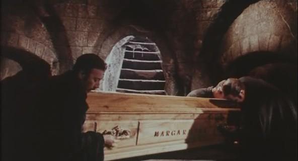 Una scena del film L\'orribile segreto del dottor Hichcock