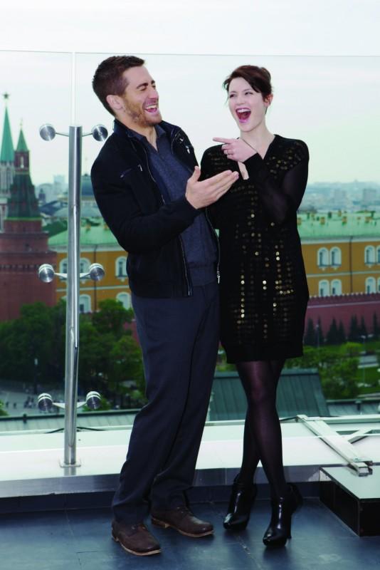 Due sorridenti Jake Gyllenhaal e Gemma Arterton alla premiere di Mosca di Prince of Persia: Le Sabbie del Tempo