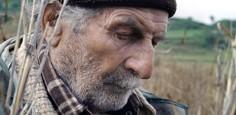 Immagine di un pastore (Giuseppe Fuda) dal film Le quattro volte