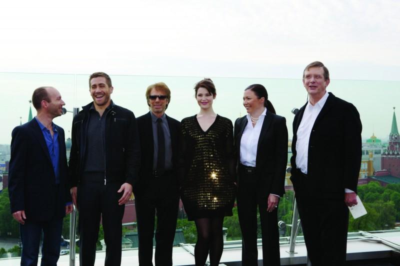 Jake Gyllenhaal, Jerry Bruckheimer, Gemma Arterton e il regista Mike Newell alla premiere di Mosca di Prince of Persia: Le Sabbie del Tempo