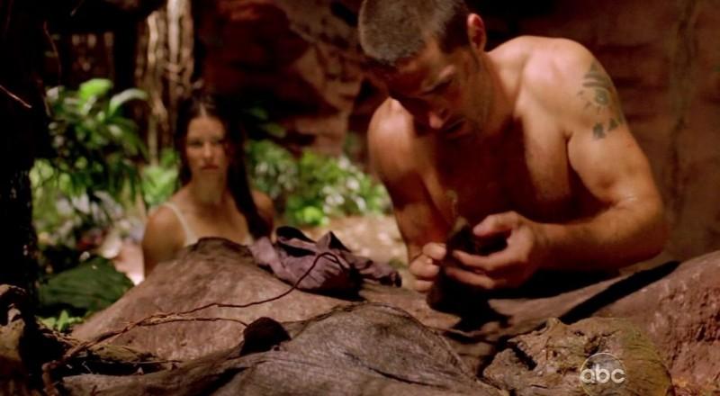Matthew Fox e Evangeline Lilly in una scena di Attraverso il mare, dalla sesta stagione di Lost