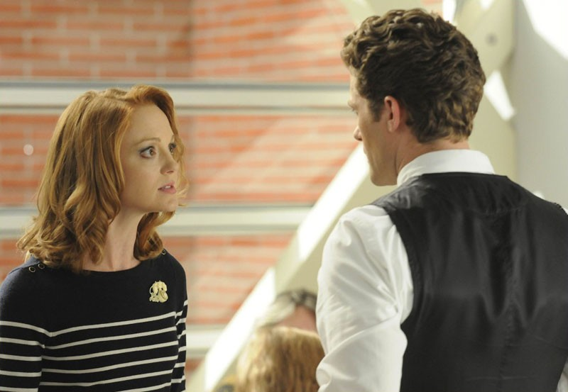 Emma Pillsbury (Jayma Mays) e Will Schuester (Matthew Morrison) nell'episodio Bad Reputation di Glee