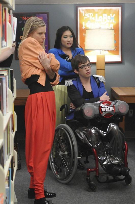 Heather Elizabeth Morris, Kevin McHale, Jenna Ushkowitz nell'episodio Bad Reputation di Glee