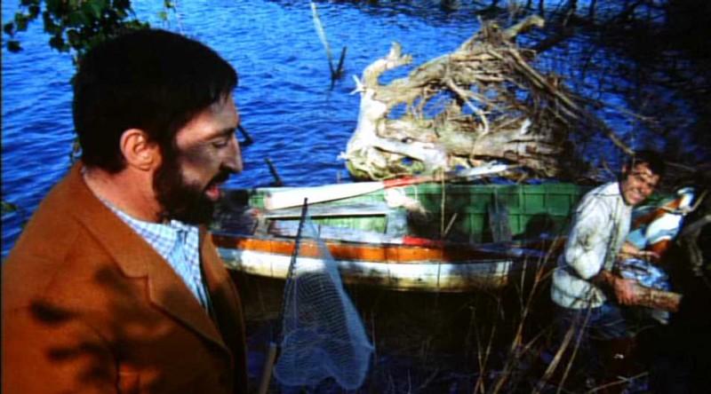 Leopoldo Trieste e Claudio Camaso in una scena del film Reazione a catena