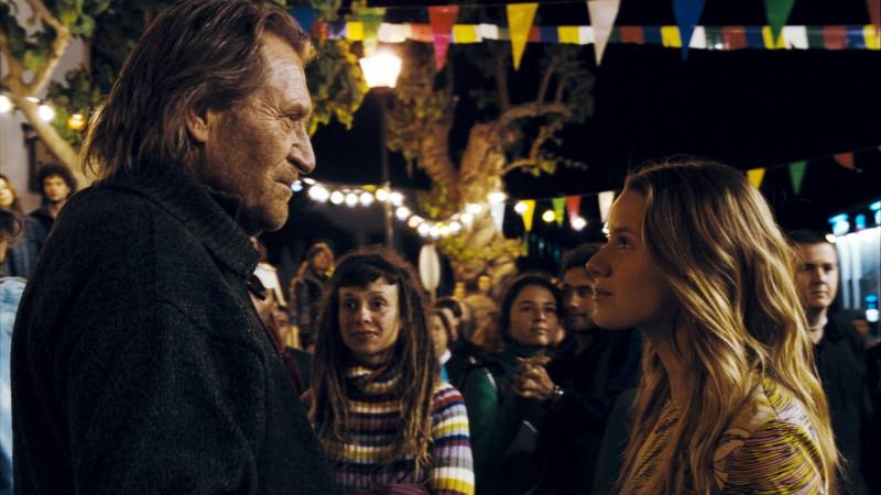 Matthias Habich e Manuela Vellés in una scena del film Chaotica Ana