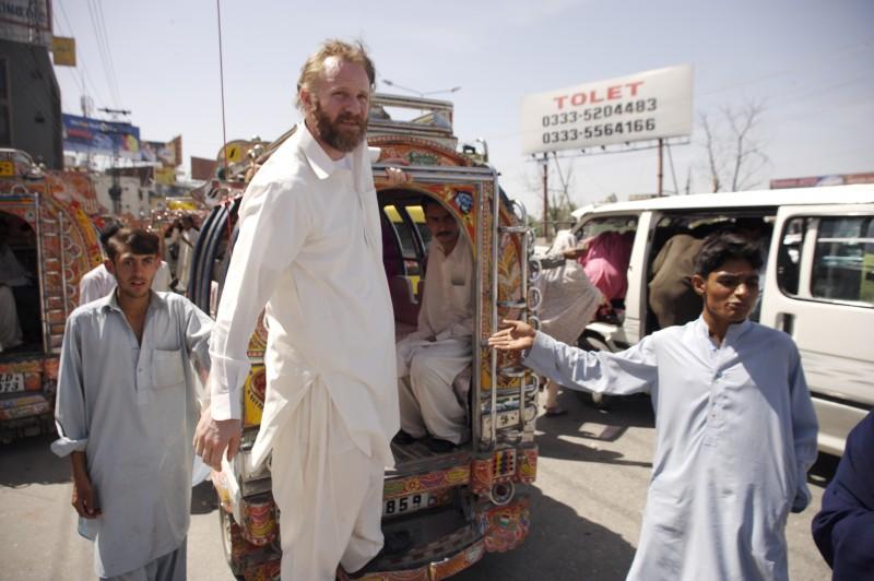 Morgan Spurlock in giro per il mondo a caccia dell'uomo più pericoloso della terra in Che fine ha fatto Osama Bin Laden?