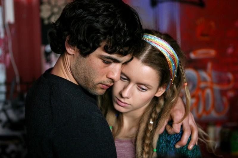 Nicolas Cazalé e Manuela Vellés in una scena del film Chaotica Ana