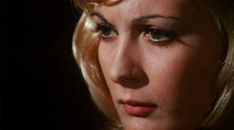 Primo piano di Anna Maria Rosati in una scena del film Reazione a catena di Mario Bava