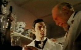 Silvano Tranquilli e Howard Nelson Rubi in una scena del film L\'orribile segreto del dottor Hichcock