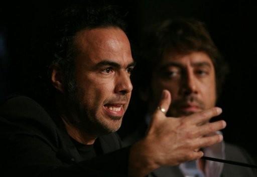 Cannes 2010: Inarritu e Bardem (dietro di lui) durante la conferenza stampa per Biutiful