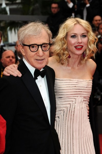 Cannes 2010, Naomi Watts presenta You Will Meet a Tall Dark Stranger accanto a Woody Allen.