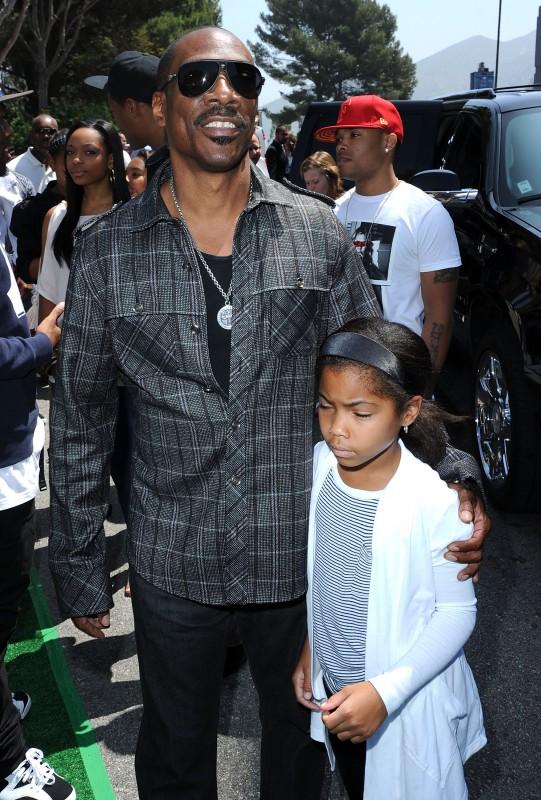 Eddie Murphy con sua figlia alla premiere di Los Angeles del film Shrek e vissero felici e contenti