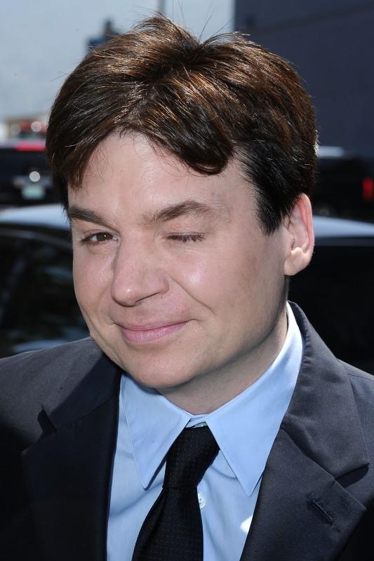 Il simpatico Mike Myers alla premiere di Los Angeles del film Shrek e vissero felici e contenti