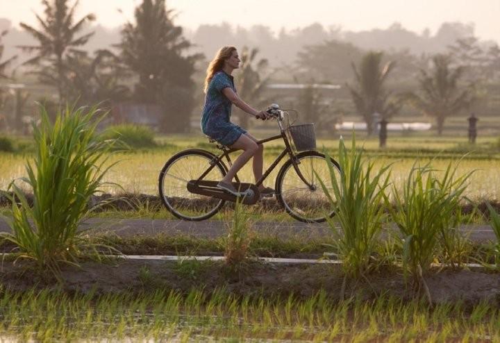 Julia Roberts gira il mondo nel film Mangia, prega, ama