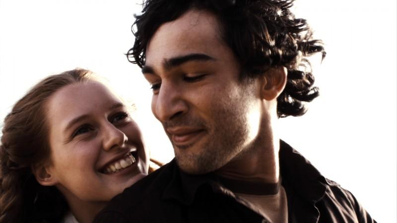 Manuela Vellés e Nicolas Cazalé in una sequenza del film Chaotica Ana