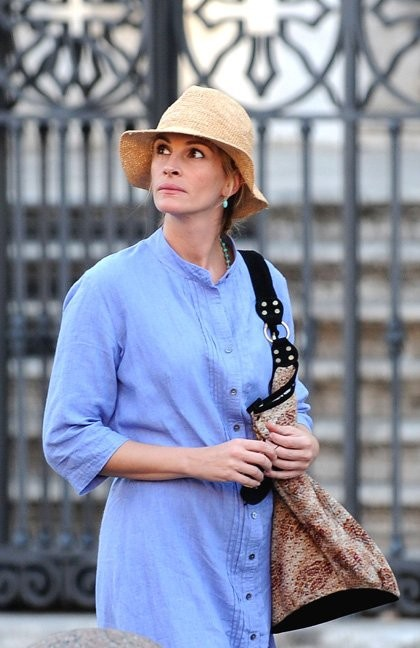 Un'immagine di Julia Roberts dal set del film Eat, Pray, Love