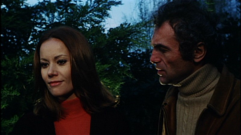 Claudine Auger e Luigi Pistilli in una scena del film Reazione a catena