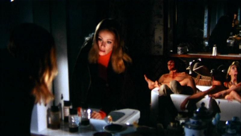 Claudine Auger in una scena del film Reazione a catena di Mario Bava