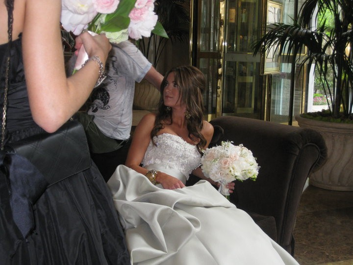 Danneel Harris splendida in abito bianco