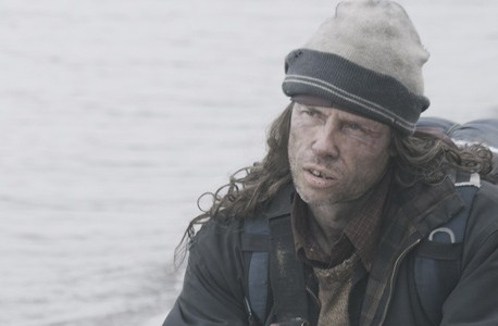 Guy Pearce nel film The Road