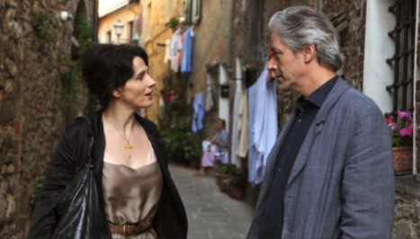 Juliette Binoche e William Shimell in una sequenza del film Copia conforme