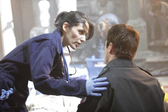 Lisa Edelstein in una scena di Help Me dalla sesta stagione di Dr. House: Medical Division