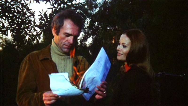 Luigi Pistilli e Claudine Auger in una scena del film Reazione a catena