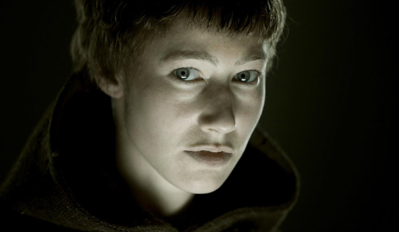 Primo piano di Johanna Wokalek dal film La Papessa