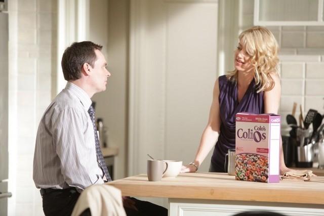 Robert Sean Leonard e Cynthia Watros in una scena di Open and Shut dalla sesta stagione di Dr. House: Medical Division