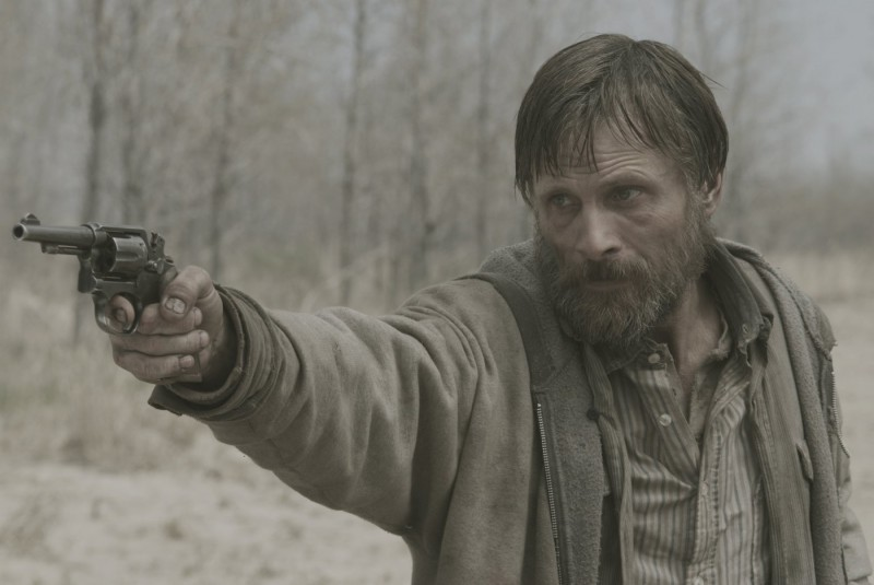Viggo Mortensen, un uomo disposto a tutto nel film The Road