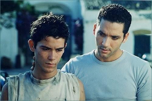 Alessandro Agnello e Beppe Fiorello nel film tv Brancaccio, dedicato alla figura di Don Pino Puglisi