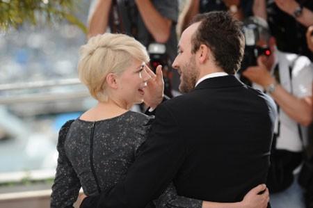 Cannes 2010: Michelle Williams presenta Blue Valentine (2010) accanto a Ryan Gosling