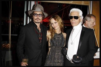 Cannes 2010: Vanessa Paradis e Johnny Depp con Karl Lagerfeld al party organizzato da Chanel al Vip Room